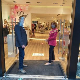 Mark Wilkes and Councillor Jane Mosson, Mayor of Sutton Coldfield, at the opening of Bert & Gert's store in The Gracechurch Centre